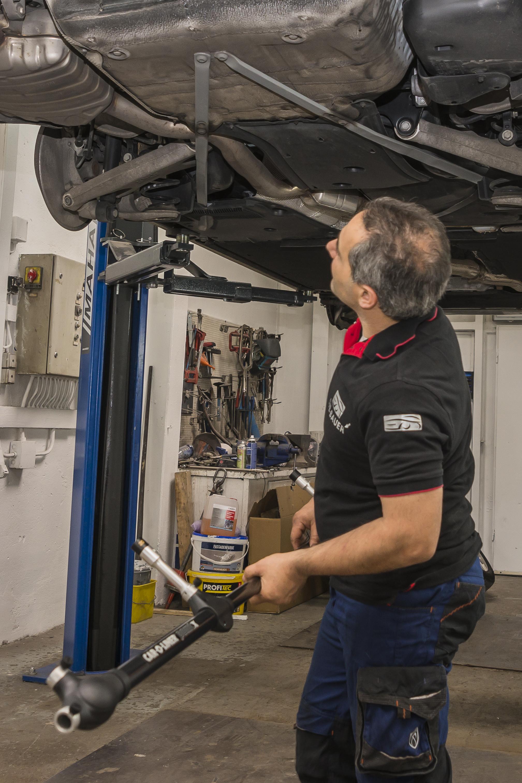 Rahmenvermessung mit dem Car-O-Liner PointX, SVB-Bauer, unabhängiger Kfz-Sachverständiger / Gutachter in Wiesbaden & Umgebung